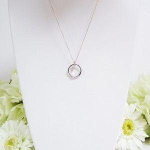 ペンダントになる結婚指輪